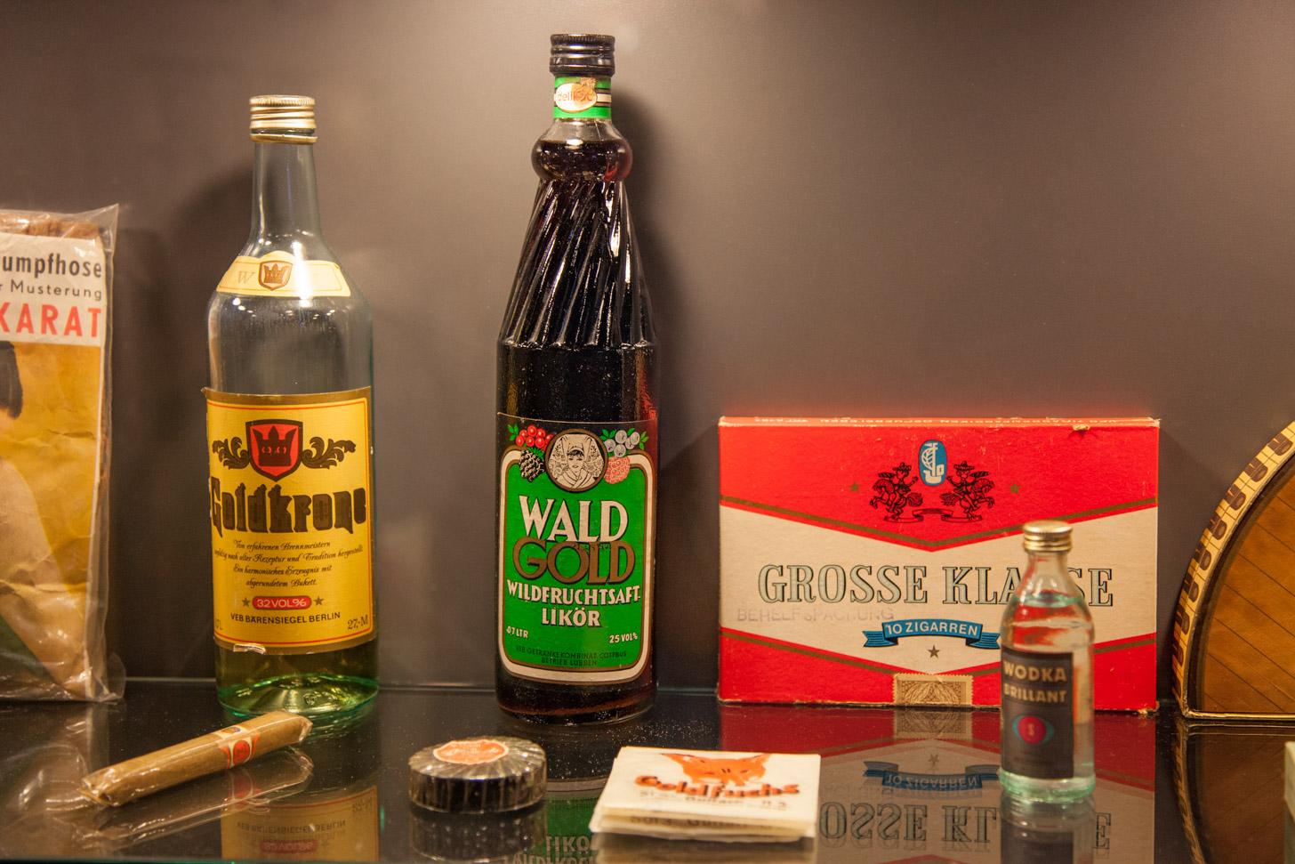Producten tentoongesteld in het DDR Museum.